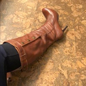 Hard to find Steve Madden button up boot